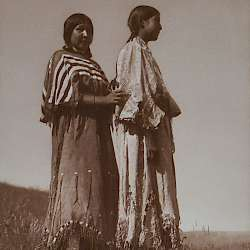 Piegan girls  (1910)